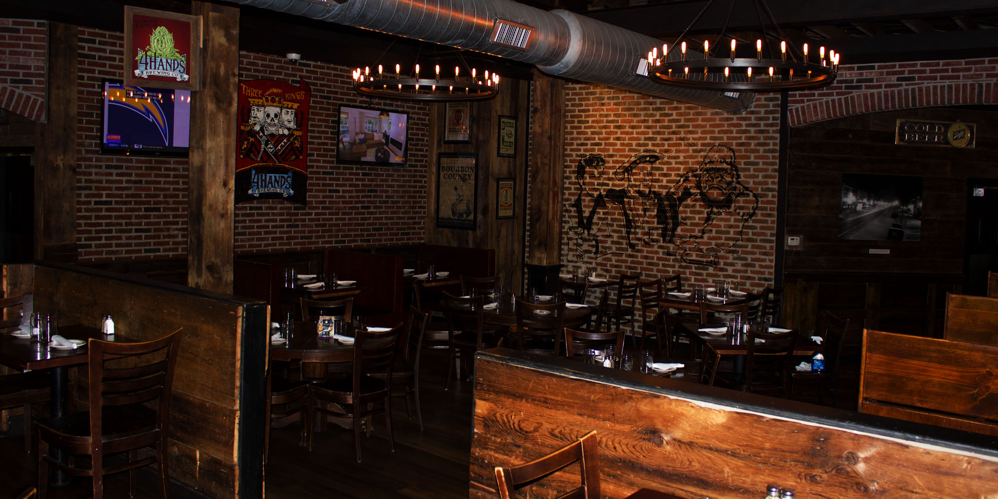 Three kings pub dining room three kings public house for King s fish house happy hour